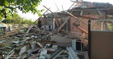 (Фото) Взрыв в частном доме в Ниспоренах. 60-летний мужчина с сильными ожогами доставлен в больницу