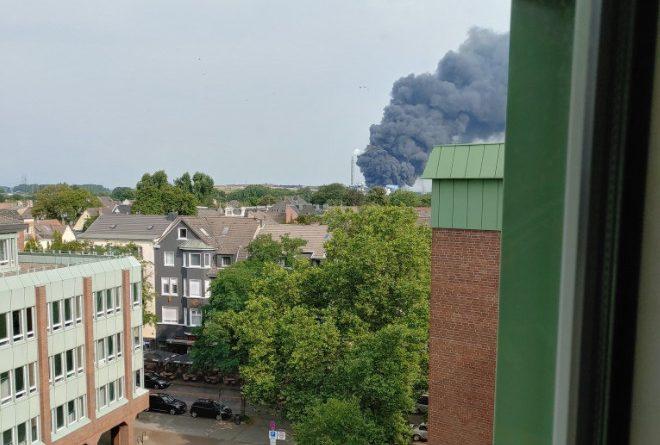 Взрыв на химическом заводе в Германии: население предупреждено о «чрезвычайной опасности»