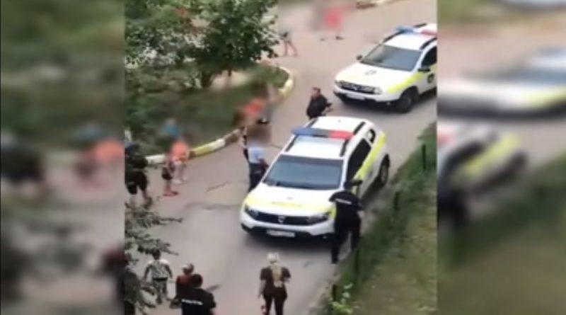 (Видео) Предлагал детям деньги за секс. В Кишиневе задержали подозреваемого в совращении малолетних
