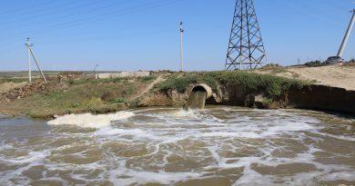(Фото) Ситуация на Комратском озере. Под угрозой обрушения была электрическая мачта