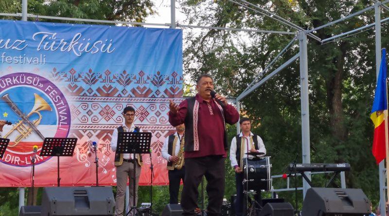 (Фото) В Чадыр-Лунге прошел фестиваль «Gagauz türküsü-2021»