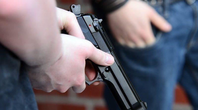 Психиатр из Кагула задержан офицерами НЦБК. Его подозревают в выдаче справок для получения разрешения на владение оружием