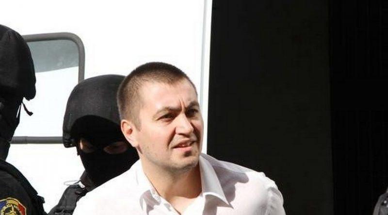 Прокуратура требует объявить в розыск и арестовать бизнесмена Вячеслава Платона, после того как освободила его из тюрьмы