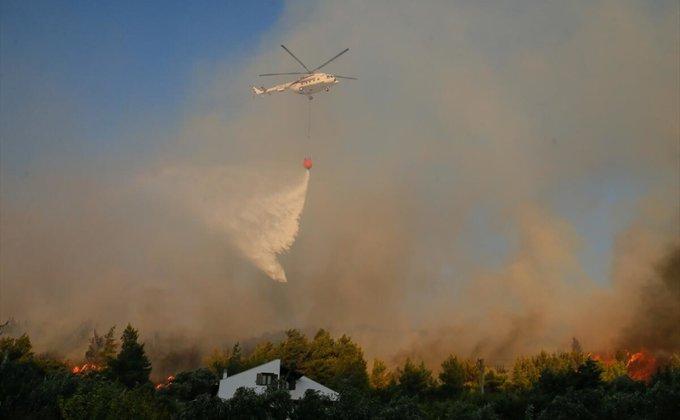 Молдова направила в Турцию несколько вертолетов для тушения пожаров