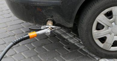 Некоторые заправки в Молдове подняли цены на газ
