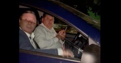 (Видео) Депутаты парламента от ПСРМ дежурят у избирательного участка в Вулканештах