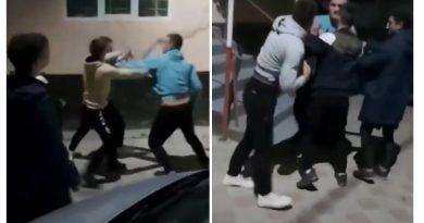 (Видео) В Каларашском районе участковый подрался с группой подростков